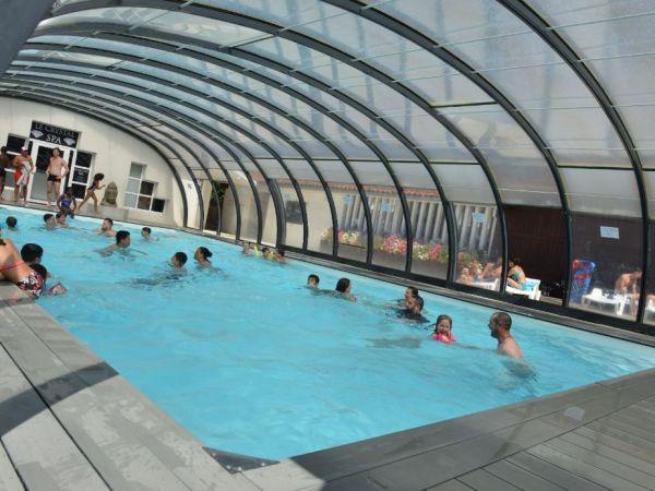 sur les bords du parc aquatique ou dans la piscine, profitez de nos animations sportives